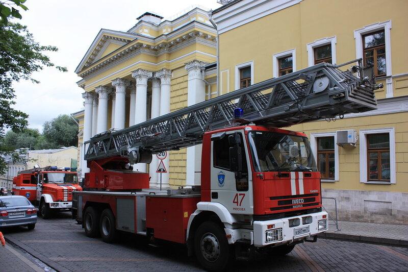 Пожар в столовой Синагоги в Большом Спасоглинищевском переулке.