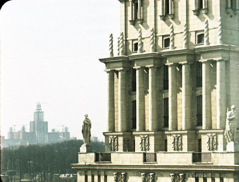 1951 Строительство высоток. В. Микоша6.jpg