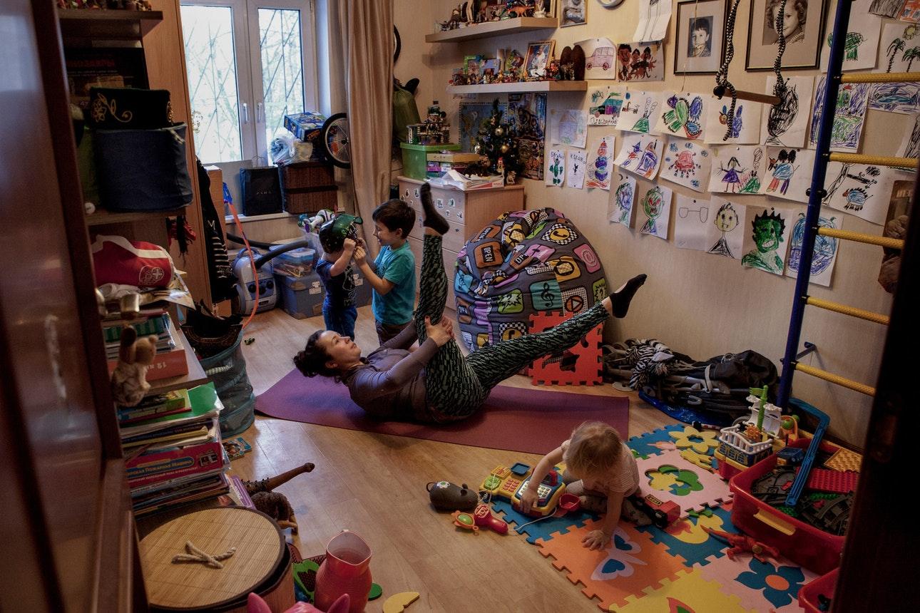 Работающие женщины и их дети на снимках Юлии Скоробогатовой