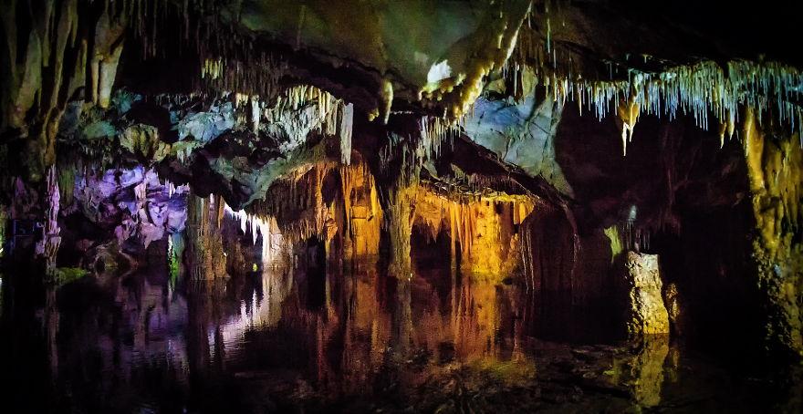 Yannis_Larios_caves_05-59d3fed1c7883__880.jpg