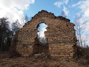 Усадьба Лопец, руины здания, 2017 г