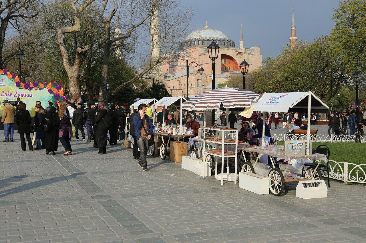 Стамбул. Апрельский вечер на площади Султанахмет