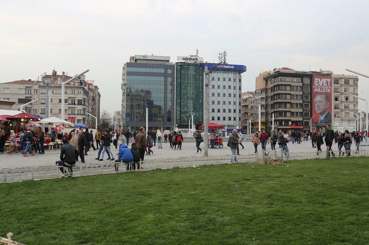 Стамбул. Площадь Таксим (Taksim Meydanı)