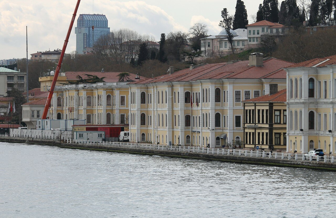 Стамбул. Дворцы Бешкиташа. Вид с Босфора