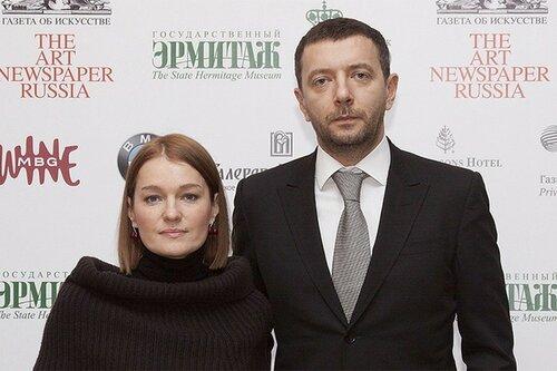 """Виктория Толстоганова звезда сериала """"Отчий берег"""" и др."""