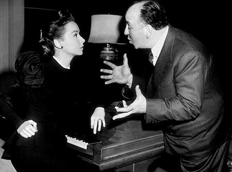13. С Джоан Чэндлер на съемках фильма «Веревка», 1948 год.