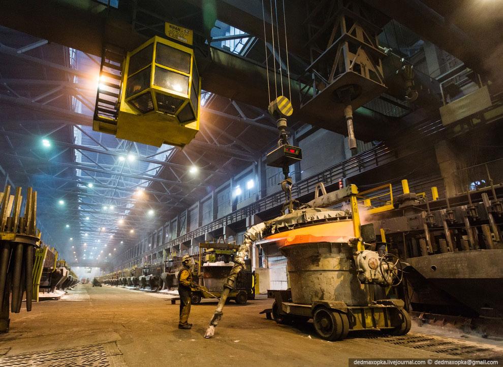 Суточная производительность завода — 2 725 тонн.