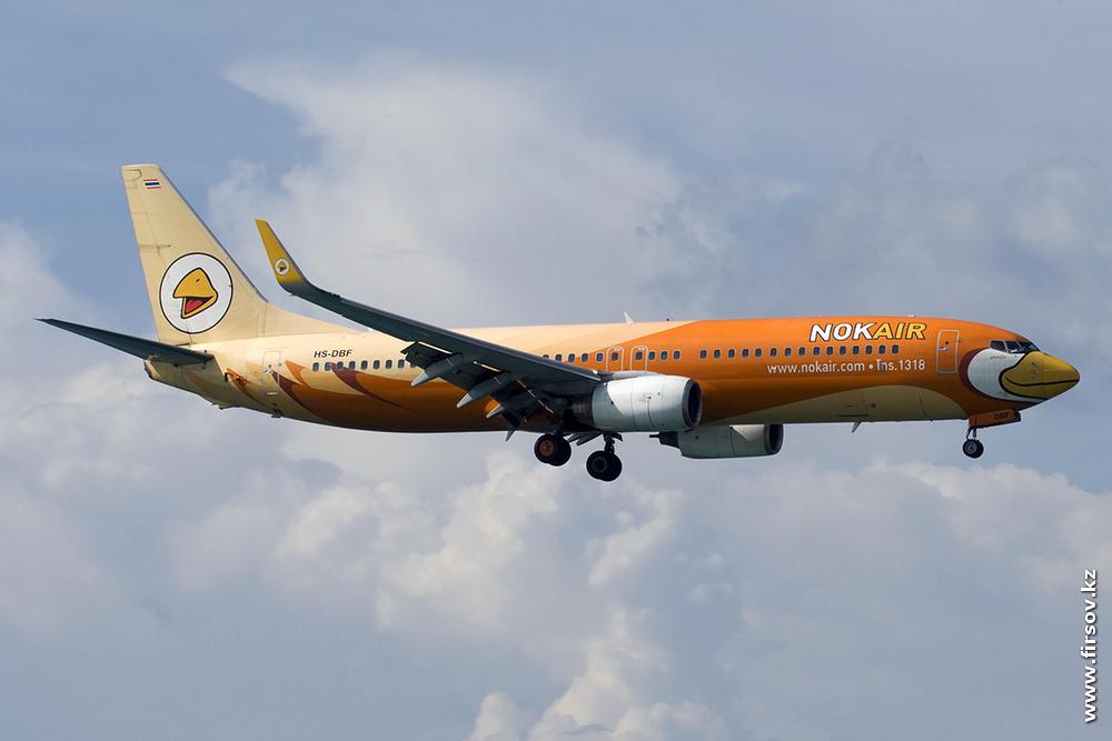 B-737_HS-DBF_1_NokAir_2_HKT.JPG