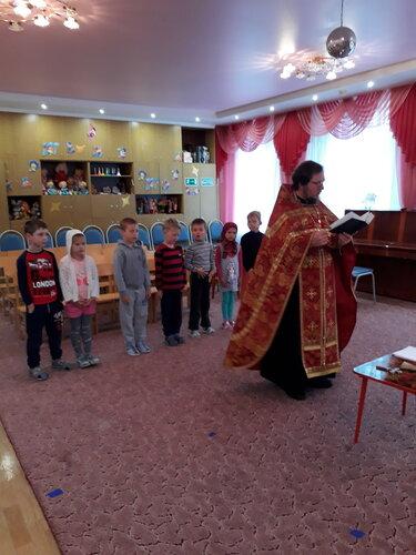 Молебен на начало учебного года в детском саду Солнечногорска отслужил священник Спасского храма Петр Литягин