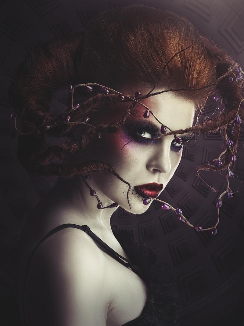Stunning Visual Artwork by Rebeca Saray