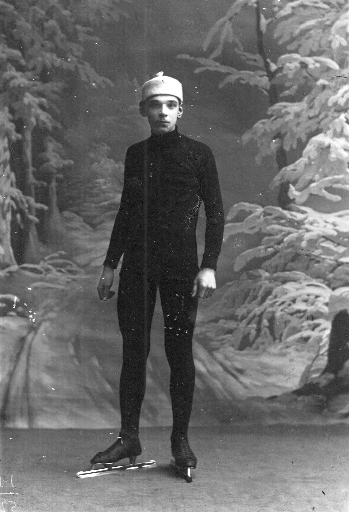 Спортсмен на беговых коньках.1911