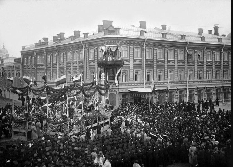 Открытие и освящение мемориальной доски на доме И.А. Гончарова состоялось 16 сентября 1907 года