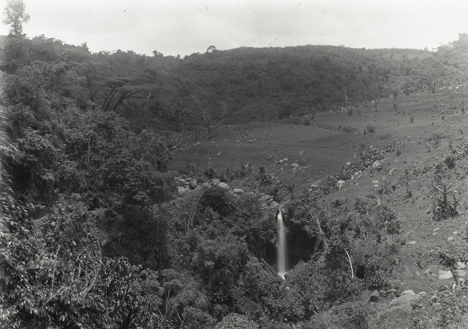 17. Килиманджаро. Водопад в Марангу