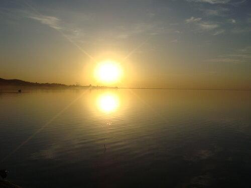 Закат на озере Копа