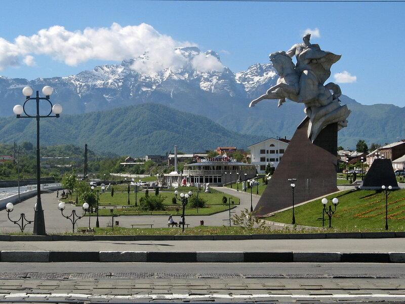 Памятник И.Плиеву