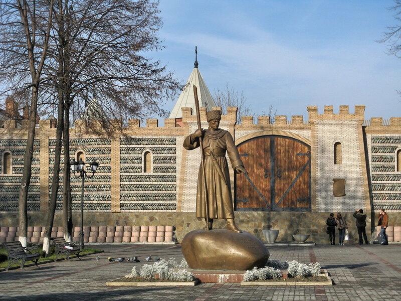 Памятник основателю г.Владикавказ