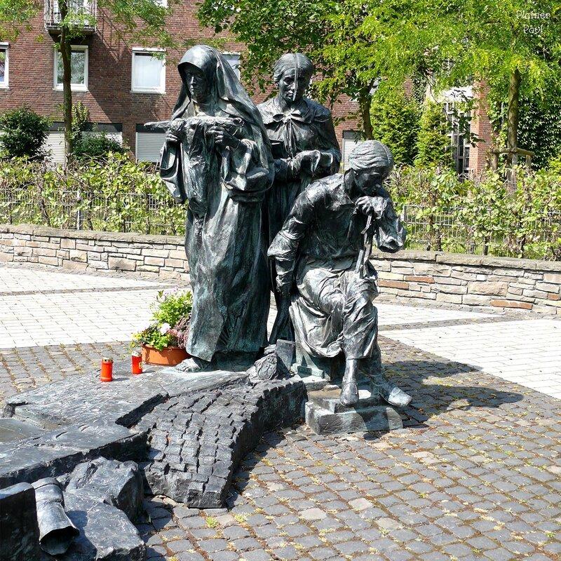 Гермaния, Кёльн. Памятник Эдит Штайн. 15 фотографий