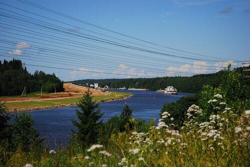 Волго-Балтийский канал  недалеко от Вытегры