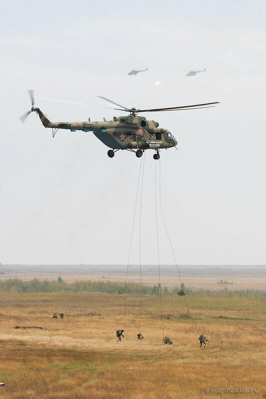Миль Ми-8МТВ-5 (RF-24774 / 39 красный) ВКС России 0420_D806095