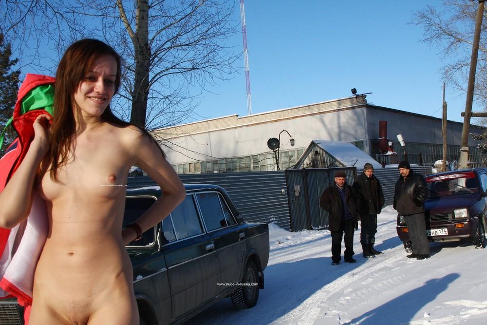 Карина разделась на 36-градусном морозе в Челябинске