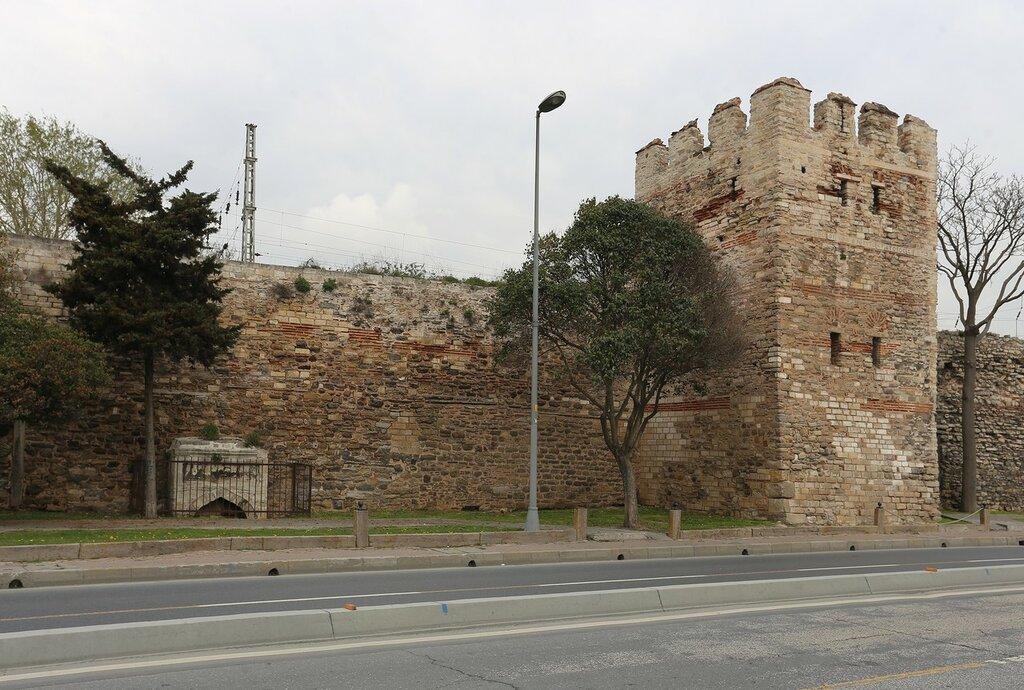 Стамбул. Босфорские стены (Boğaziçi Surlari)