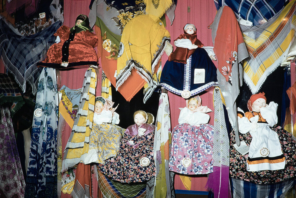 Russia, dolls and scarves displayed at store in Moscow