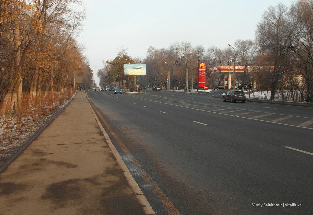 Дорога к аэропорту Алматы.