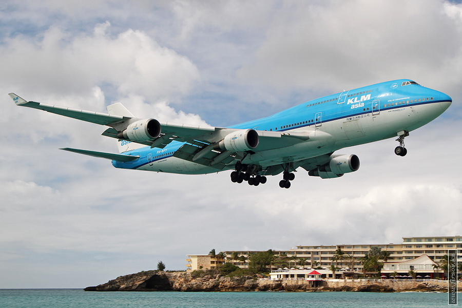 B-747_PH-BFY_KLM_3_SXM_for_zps63bc309b.JPG