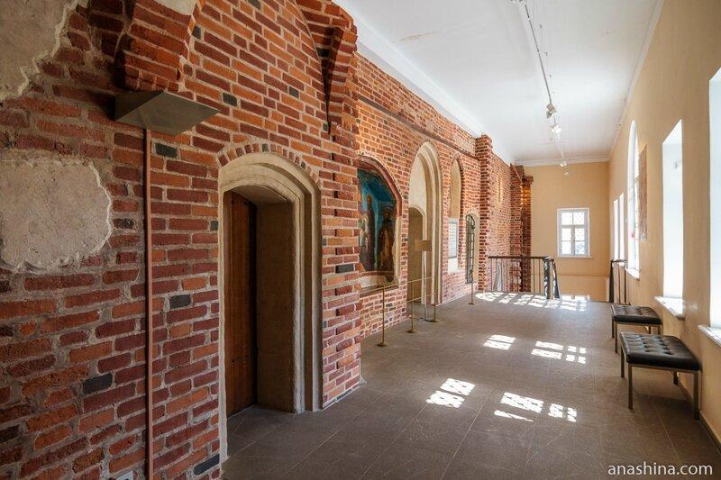 Галерея перед Главным залом, Владычная палата, Великий Новгород