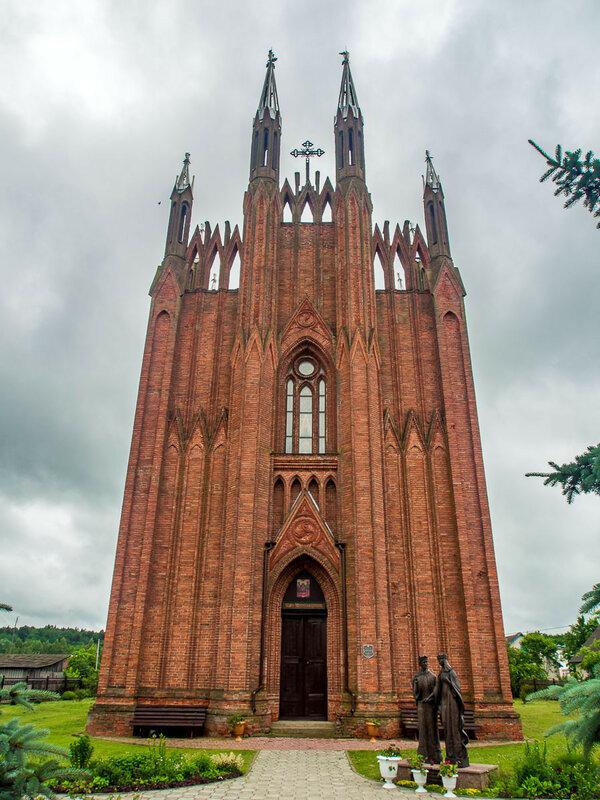 Свято-Успенская церковь, неоготика, 1852—57 гг.