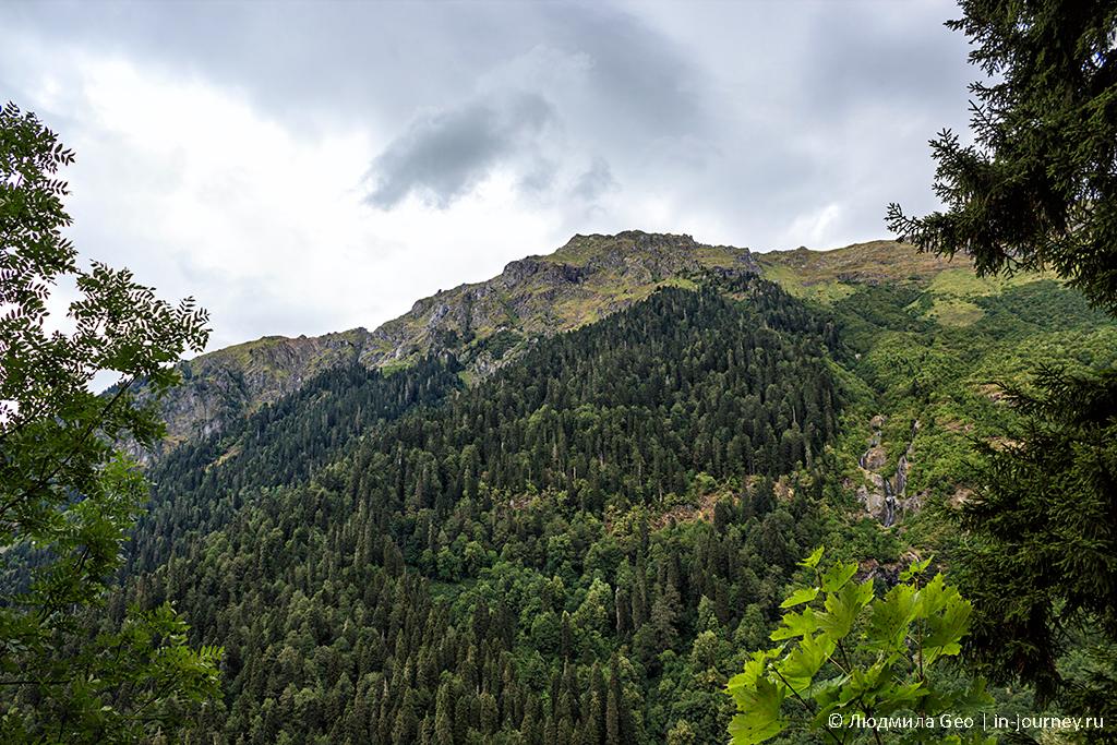 горы в Рицинском национальном парке