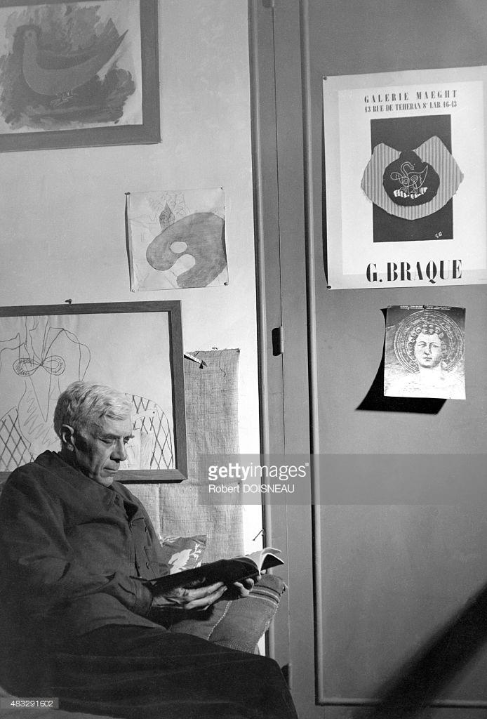 1957. Французский художник Жорж Брак в своей студии