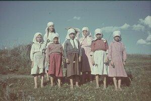 Крестьянские девочки