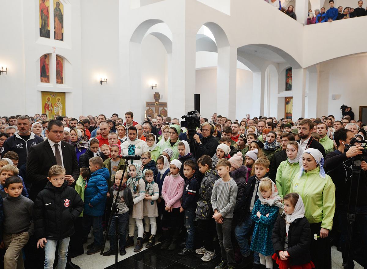 Патриарх Кирилл освятил храм преподобного Сергия Радонежского 22 окт, 2017, Москва(3)