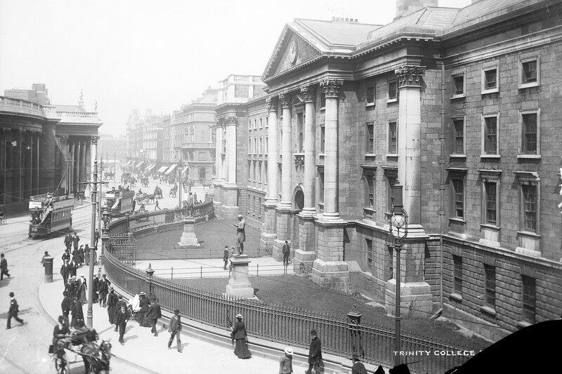 Trinity_College_Dublin,_late_19th_century_(7548442648).jpg