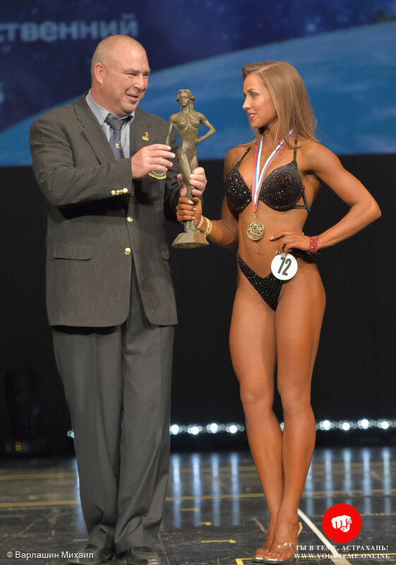 Категория: Фитнес-бикини юниорки абс. Чемпионат и Первенство России по бодибилдингу 2017