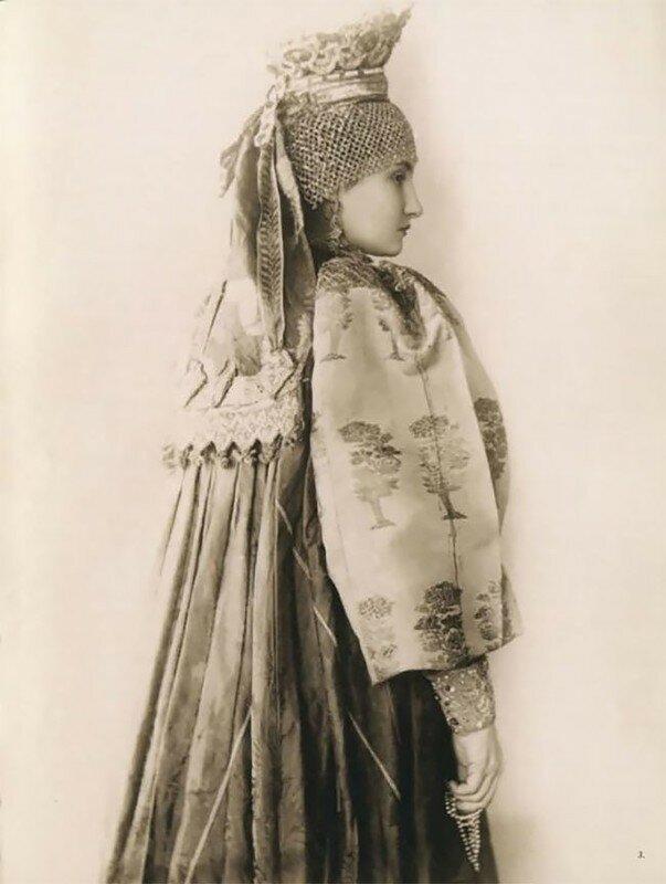 0 17a7f3 b8e029ed XL - Девушки в древних славянских костюмах на старинных фотографиях