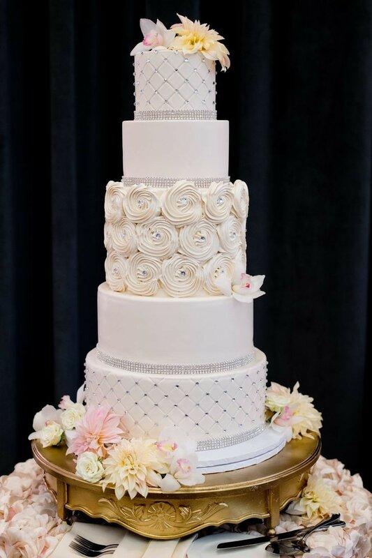 0 178322 93bae4f7 XL - Аппетитные свадебные торты сезона 2017