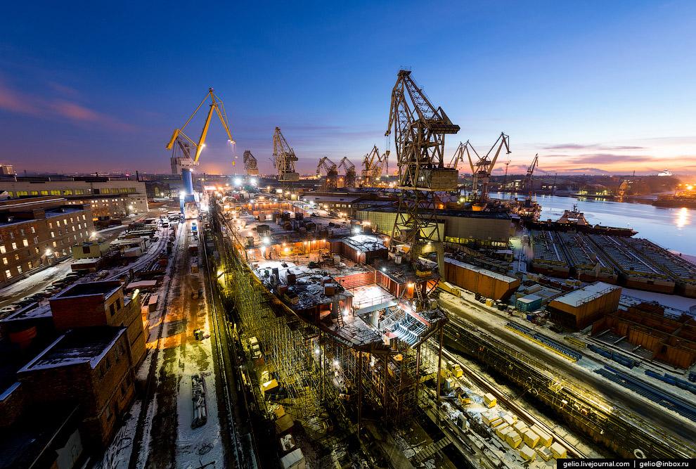 12.  Балтийский завод  — единственный в России производитель крупных гребных винтов и
