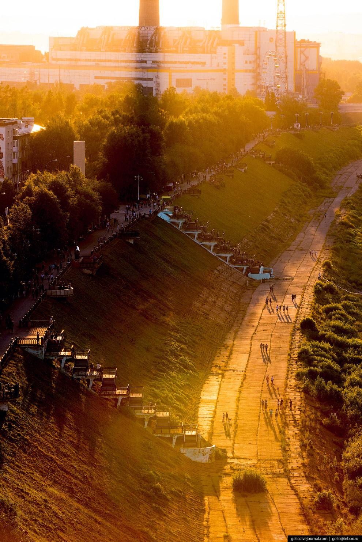 25. Популярное место отдыха кемеровчан — Притомская набережная. На ней расположены Вечный огонь и ме