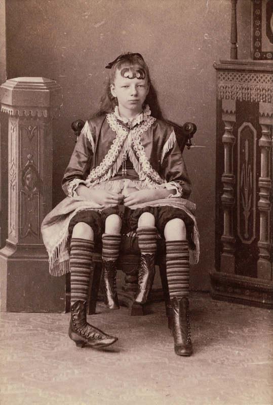 Жозефина Мертл Корбин (англ. Josephine Myrtle Corbin; 12 мая 1868, Линкольн, Теннесси — 6 мая 1928,