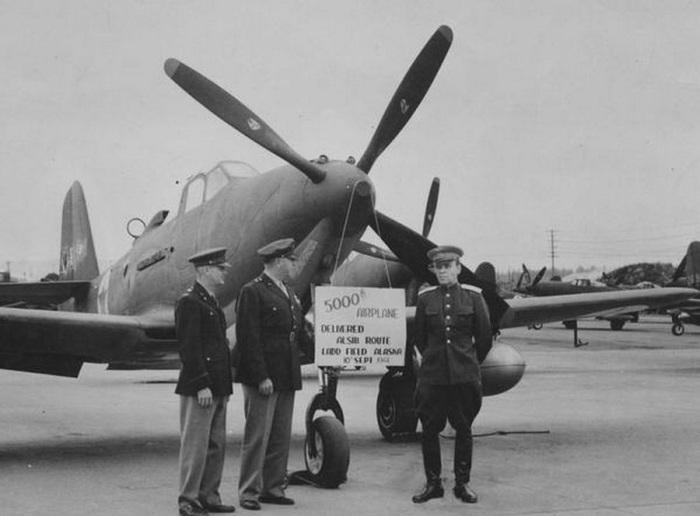 СССР получает от американцев 5000-й самолёт Bell P-39 Airacobra. СССР, 10 сентября 1944 года.
