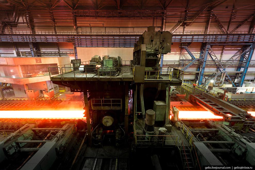 51. Температура нагрева заготовки в процессе прокатки варьируется в зависимости от марки стали и мож