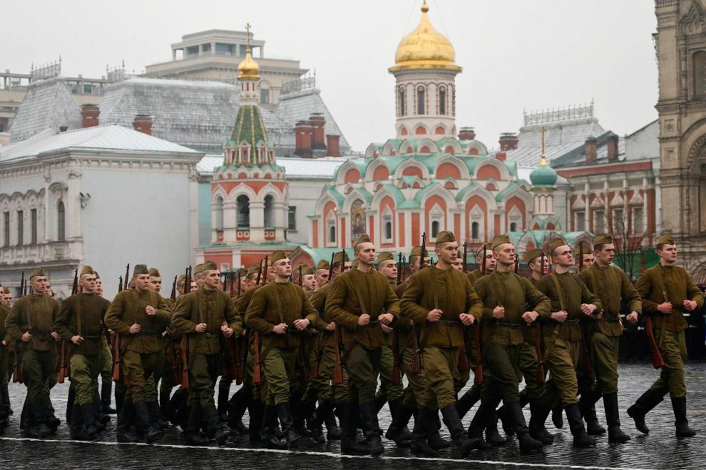4. Завершился марш демонстрацией оружия победы: выездом 63 единиц боевой техники образца 1939—