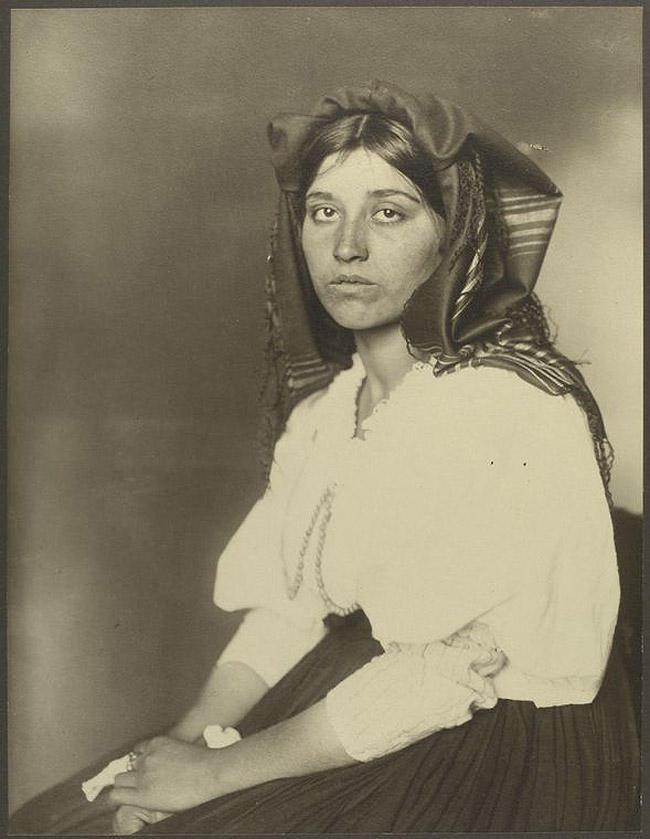 12. Женщина из Италии