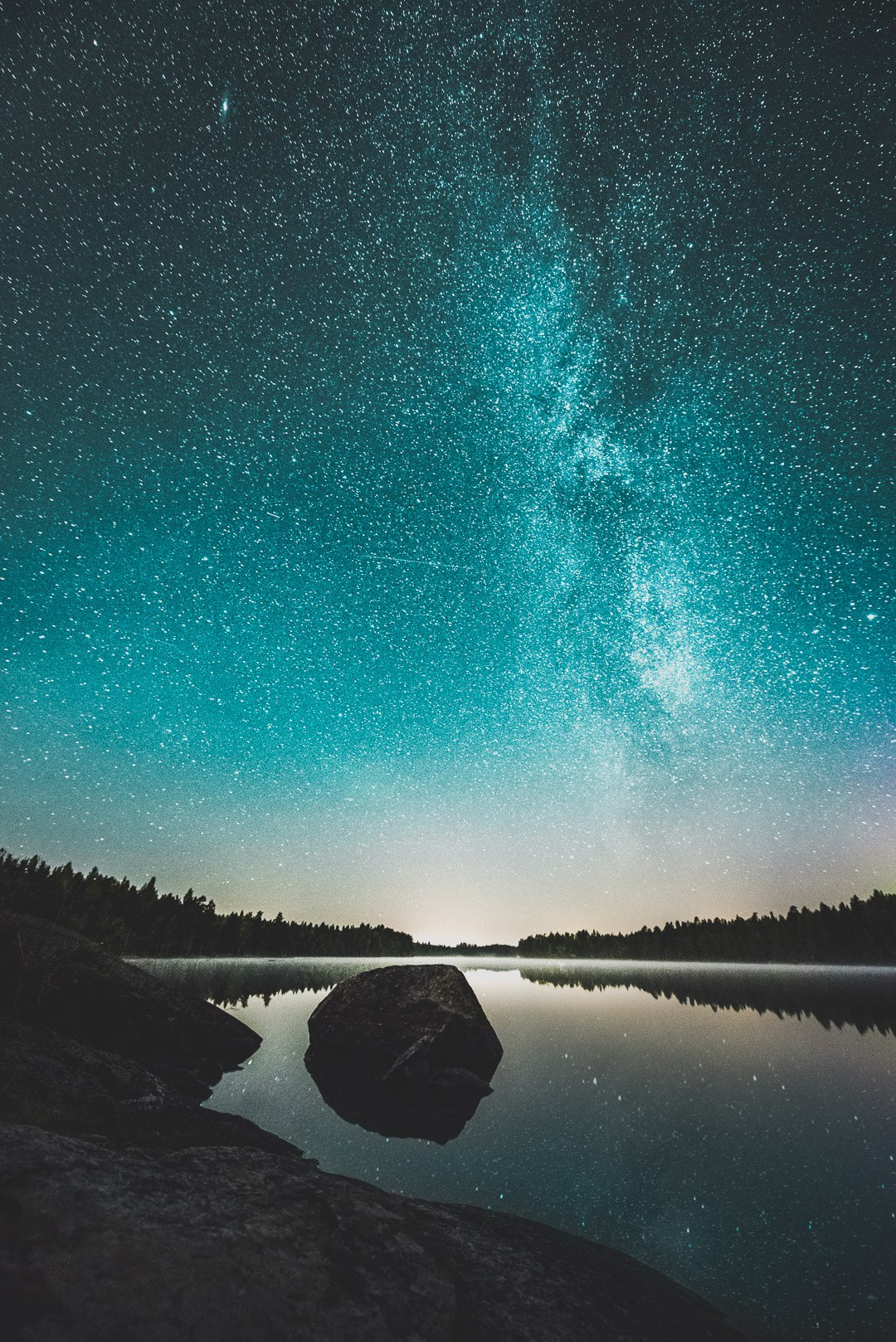 The Night Skies Over Finland & Iceland Saturated with Stars Photographed by Mikko Lagerstedt
