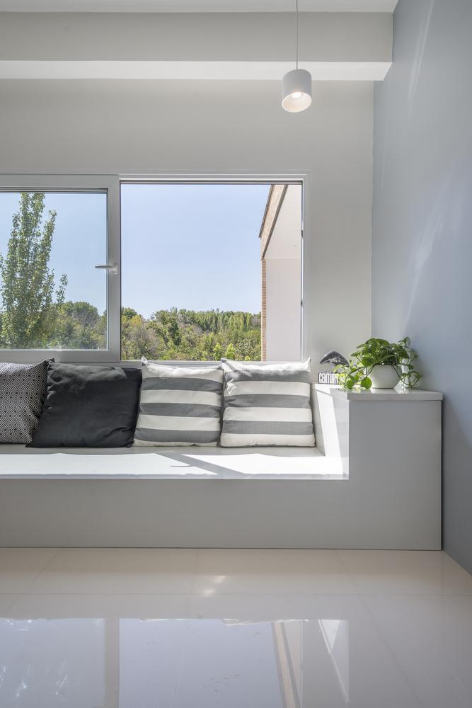 Natanz Villa by White on White Studio