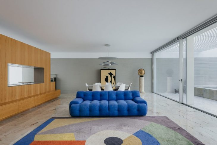 House in Lisbon by Aurora Arquitectos