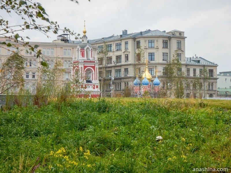 """Знаменская церковь и колокольня, парк """"Зарядье"""", Москва"""