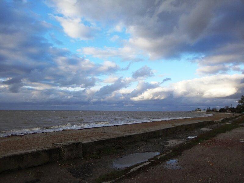У моря ... Набережная ... На финише октября, в городе у моря Азовского. (70).JPG